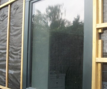 Fenêtre posée au nu exterieur de la facade